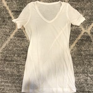 Lululemon tee shirt